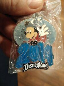 2014-Disney-Disneyland-Sorcerer-Mickey-Pin