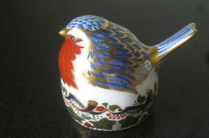 Royal-Crown-Derby-Paper-Weight-Robin