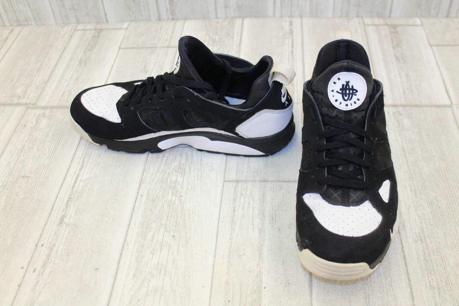 Nike Air Trainer Huarache Athletic Sneaker - - Sneaker Men's Size 11.5, Black/White 772f9a