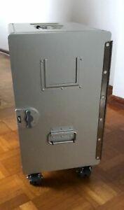 Neue-XL-Alu-Box-Unit-mit-Rollen-Flugzeugtrolley-Atlas-Industrial-Design-TOP
