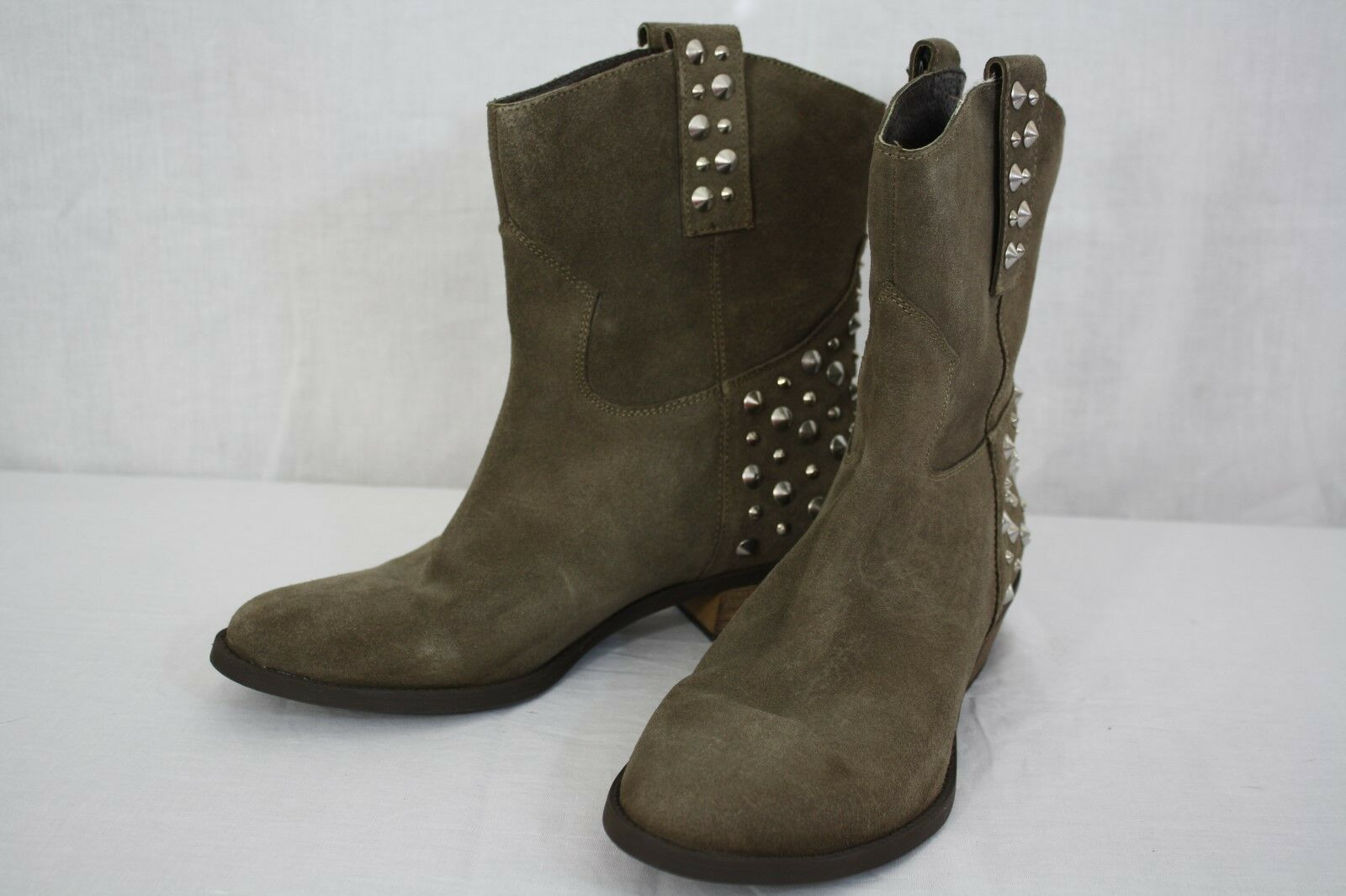 Bakers Ankle High Suede Leather Sequined Boots Size 10
