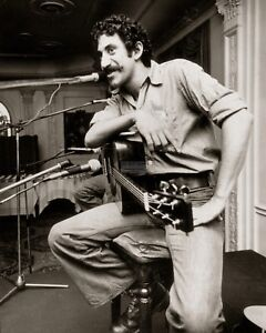 JIM-CROCE-MUSICIAN-SINGER-SONGWRITER-8X10-PUBLICITY-PHOTO-ZY-884