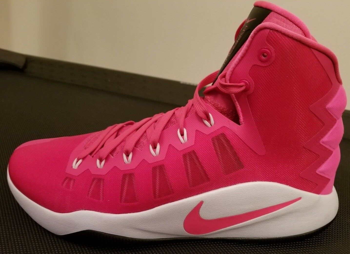 Seasonal price cuts, discount benefits Nike Zoom Hyperdunk 2018 Men's basketball Breast Cancer Pink Shoes Comfortable