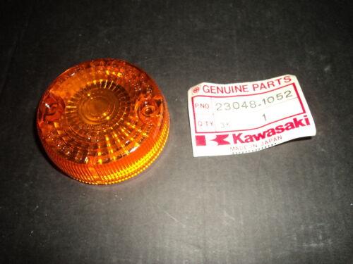 --NOS-- 23048-1052 1 x  Blinkerglas Kawasaki KMX 125  A12,13,14