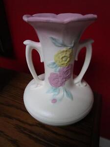 HULL-USA-ART-POTTERY-1940s-OPEN-ROSE-Camellia-2-HANDLED-VASE-102-8-1-2
