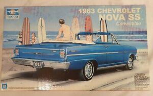 TRUMPETER 1963 CHEVROLET NOVA SS CONVERTIBLE MODEL KIT 1/25