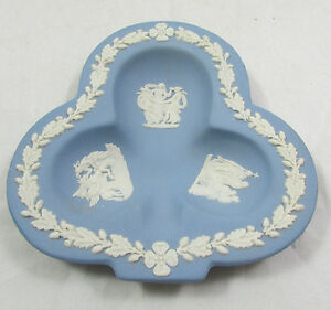 Vtg-Wedgwood-Blue-Jasperware-Collectors-Clover-Shaped-Trinket-Dish
