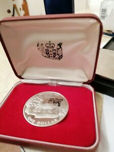New Zealand One Dollar Waitangi Day Coin 1977 CASED silver 925 vgc