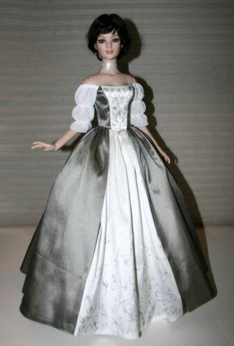 "Outlander Claire Wedding Dress Pattern for 22/"" American Model Dolls Poldark"
