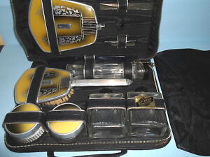 Antique-VICTORIAN-ART-DECO-Ladies-TRAVEL-VANITY-SET-Leather-Zip-Case-GLASS-JARS