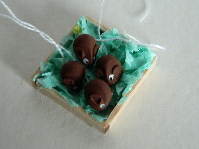 (f22) Dolls House Cakes :handmade Brown Mice In A Wooden Box 50% Korting