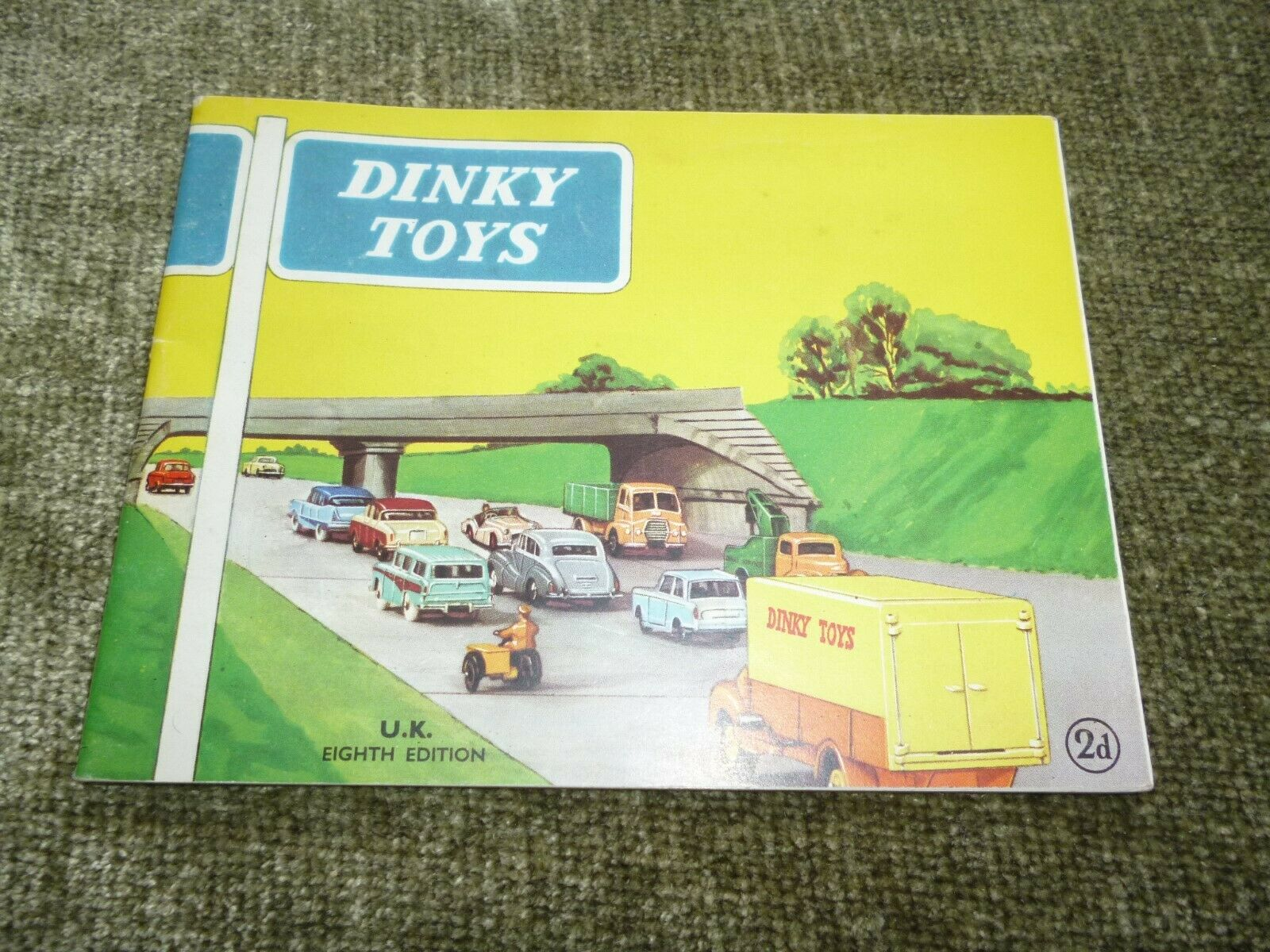 Genuine Dinky Toys Diecast Car Supertoys Catalogue 8th Edition Adgreenising 1960