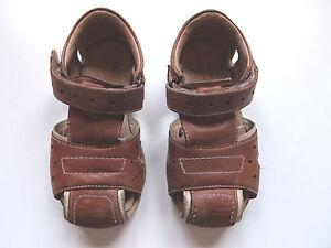 Sandalias-de-piel-color-marron-para-nino-talla-24-Roly-Poly