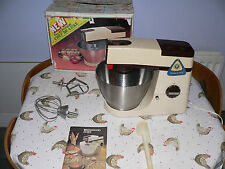KENWOOD CHEF - A901e - De Luxe - Beige with Brown trim- Excellent Condition.