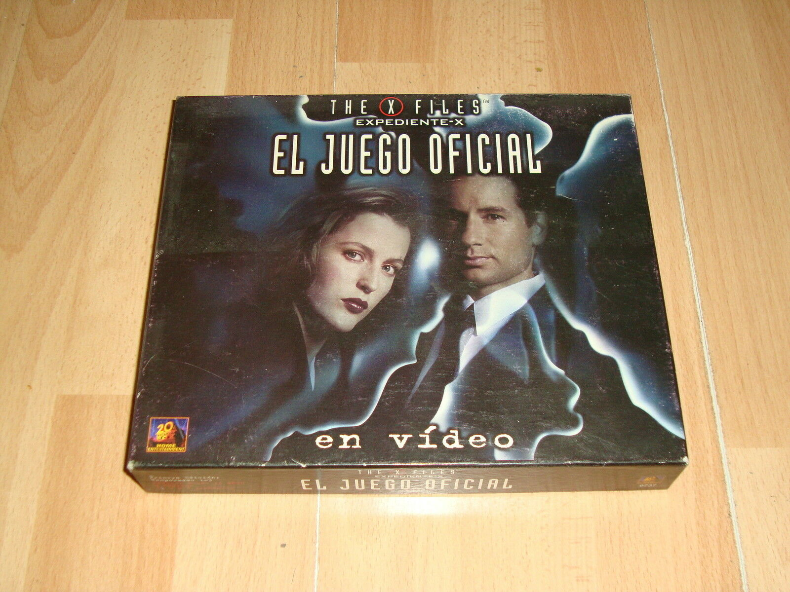 THE X FILES EXPEDIENTE X EL JUEGO OFICIAL DE MESA CONTIENE CINTA VHS DE VIDEO