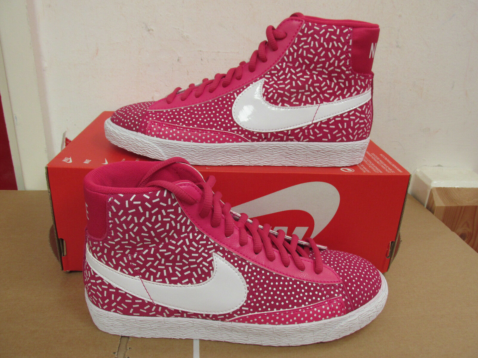 Brand discount Nike Womens Blazer Mid Print Hi Top 536698 603 sneakers shoes CLEARANCE