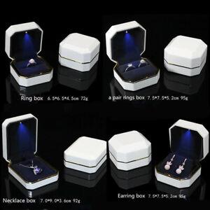 Luxury-LED-Lighted-Display-Gift-Ring-Pendant-Box-Holder-Wedding-Engagement-New