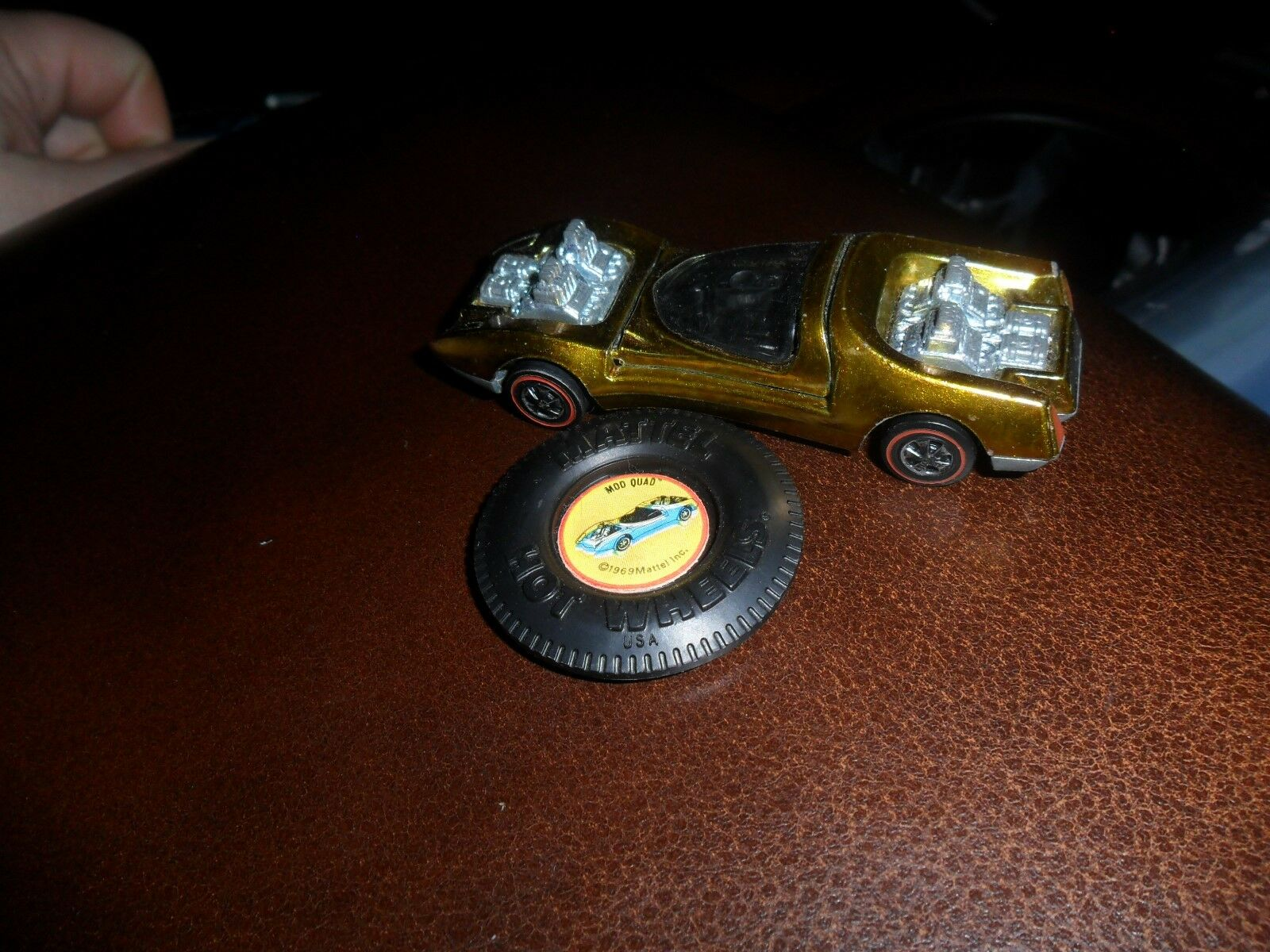 1970 Hot Wheels Redline Mod Quad gold USA Nr Mint C-9 & Badge Button