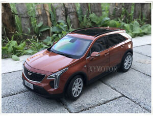 1//18 Cadillac XT4 SUV diecast car model Off-road vehicle Collection Jujube red