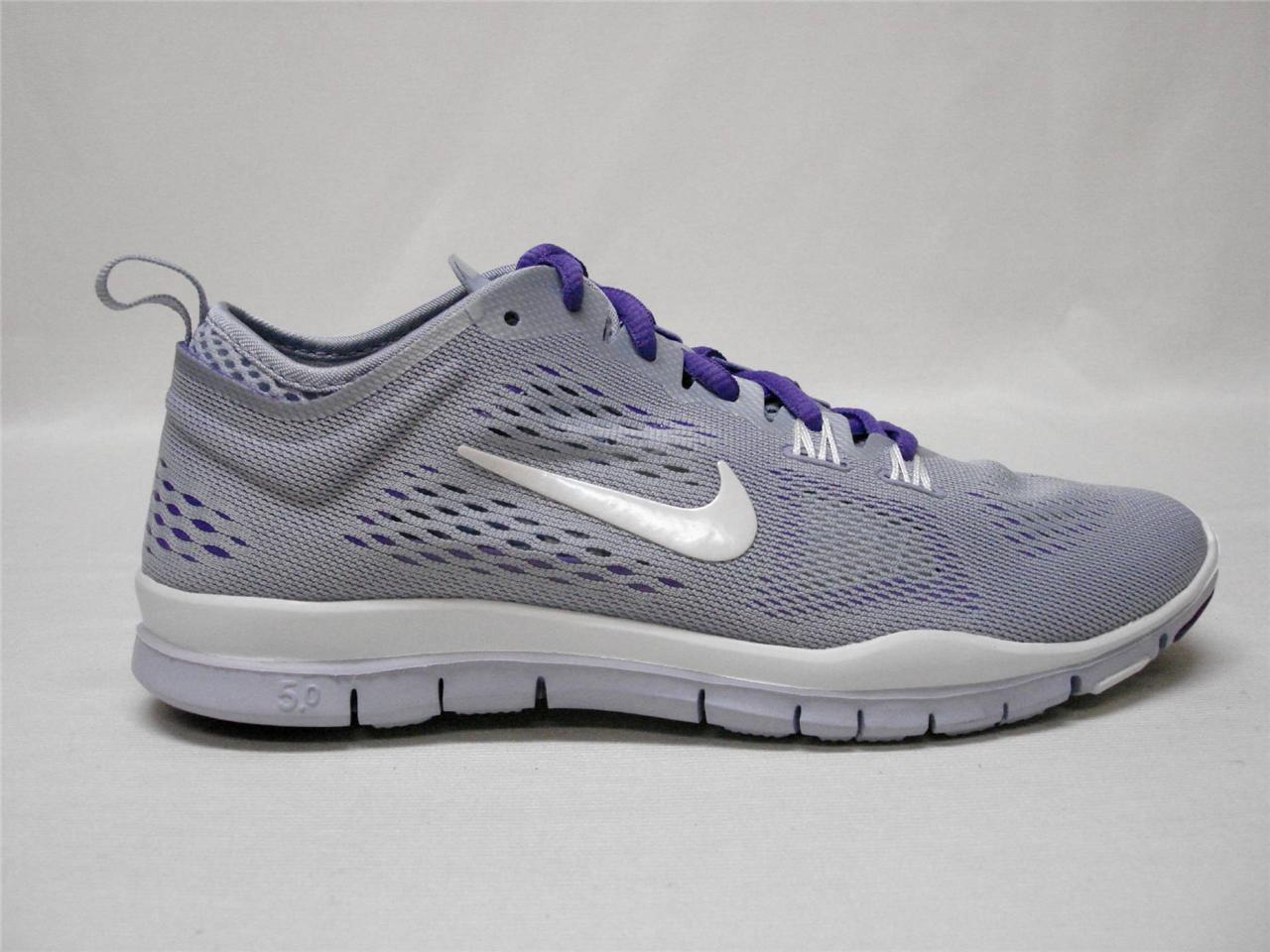 NUOVO in BOX Nike gratuiti 5.0 TR vestibilità 4 Traspirante Scarpe da donna 7 LILLA