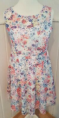 Kleid weiß mit Blumen und Spitze Größe 40/42 von Bodyflirt ...