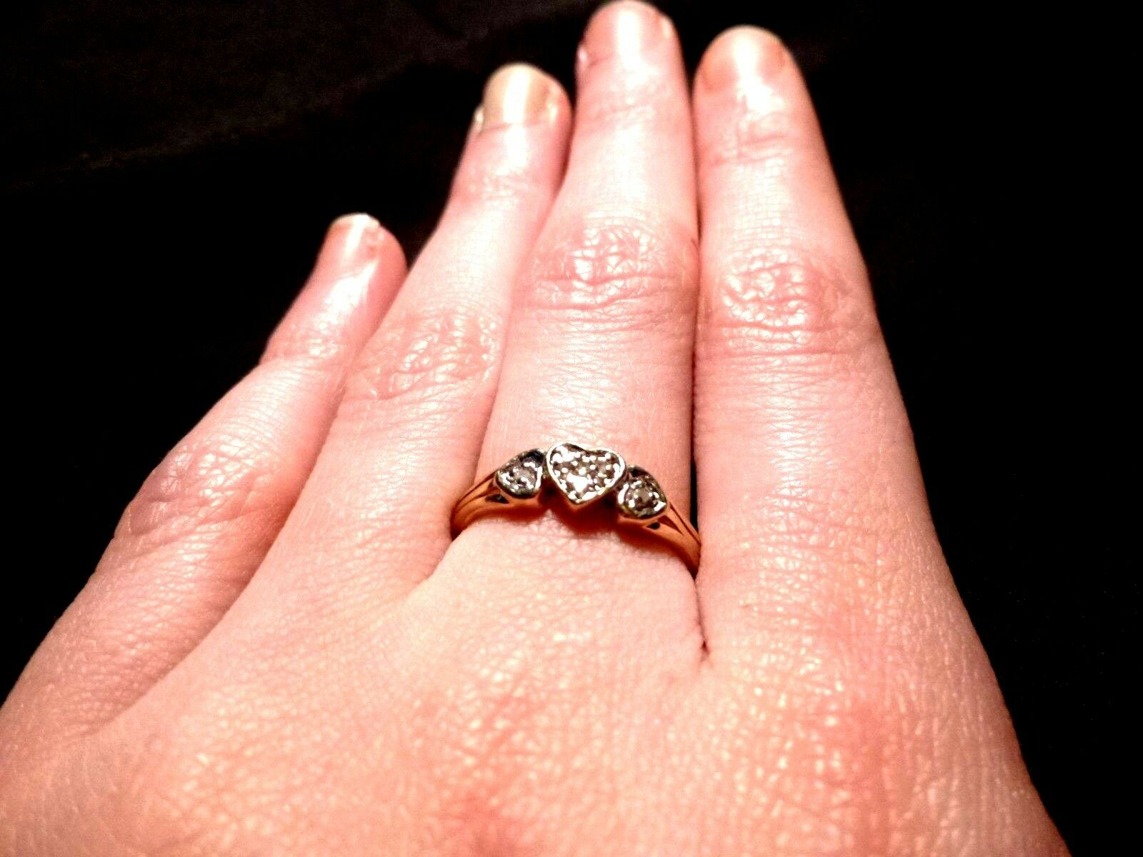 10K gold 3 HEART RING WITH 5 DIAMONDS SIZE 7 WHITE AND YELLOW gold