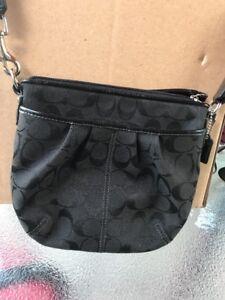 COACH-Small-Black-Signature-C-Crossbody-Handbag-Purse