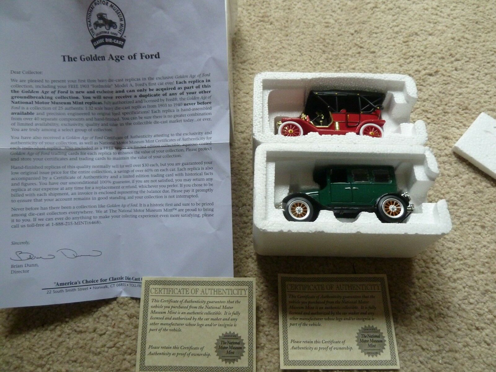 NIB 1926 FORD FORDOR & 1909 MODEL T TOURING CAR CAR CAR  NATIONAL MOTOR MUSEUM 871859