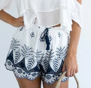 Showpo-White-Embroidered-High-Waisted-Shorts-Stelly-Dolly-Girl-White-Fox-SIZE-S