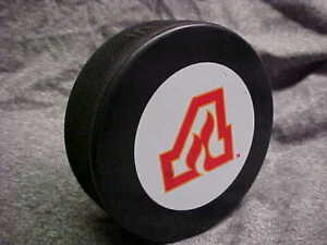 NHL-1972-1973-Vintage-Hockey-Atlanta-Flames-Logo-Official-Souvenir-Hockey-Puck