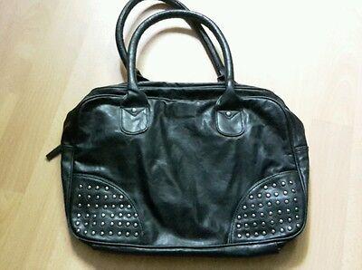 Schwarze Basic Kunstleder Handtasche Nieten