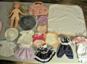 Doll-Lot-Blonde-Hair-Blue-Eye-Doll-6-Adorable-Outfits-amp-Accessories-Lot-2