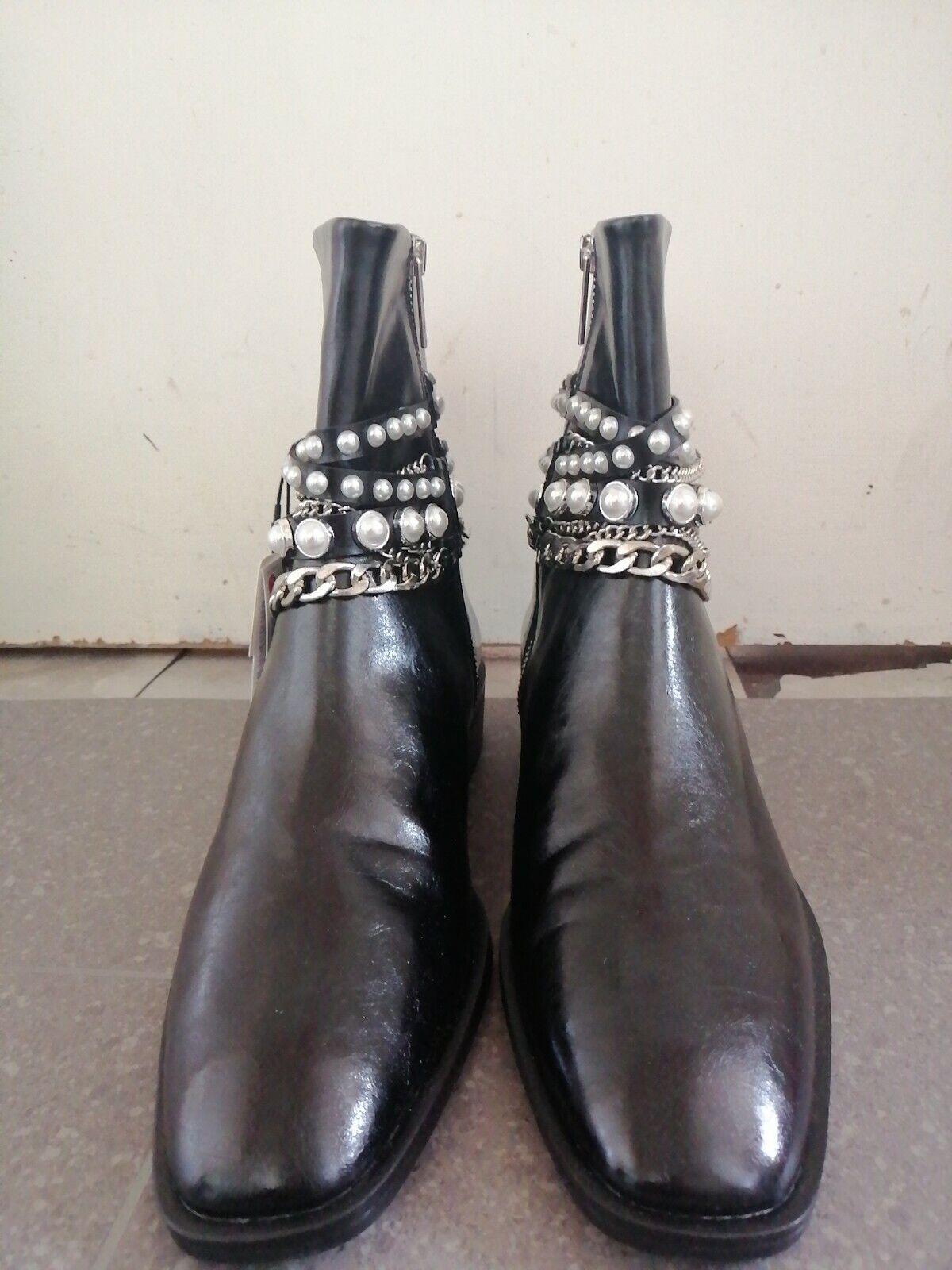 BNWT ZARA Black Flat Ankle Boots with Pearl Beads and Chains Size 7/40