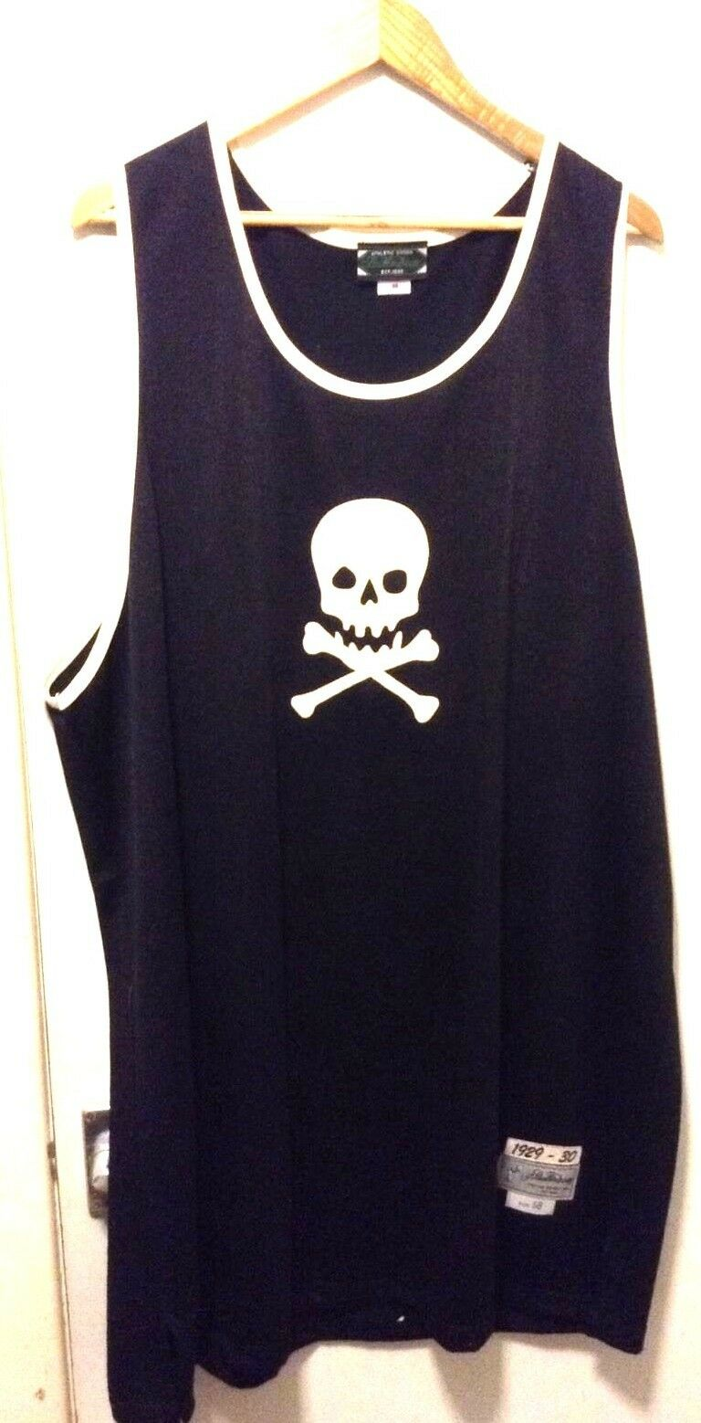 Pirates - vest  immaculate  IMPORT