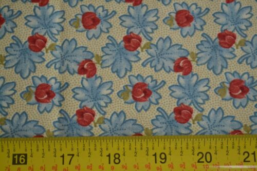 Moda//Wiscasset//14646 11 Red /& Blue on Tan Quilting Cotton M8463 By 1//2 Yd