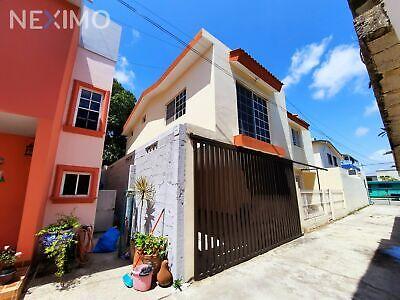 Casa en venta en la Col. Unidad Nacional, Cd. Madero, Tamps.