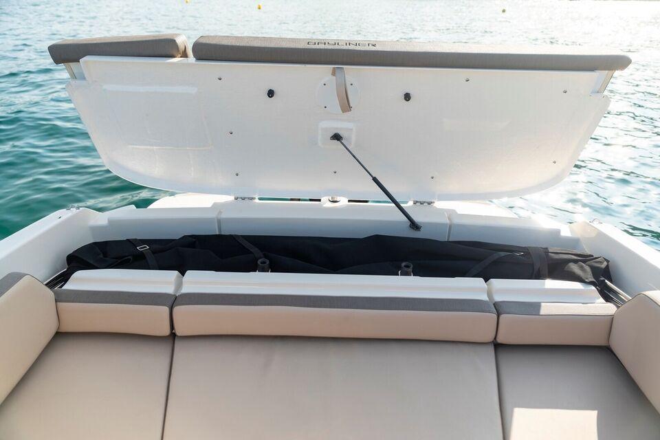 Bayliner, Motorbåd, fod 22
