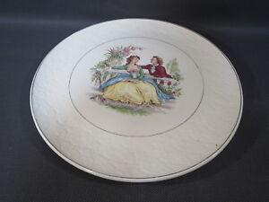 Ancien-plat-a-tarte-deco-scene-galante-vintage-ceramique-St-Amand-brevete-SGDG
