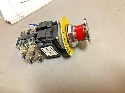 - 104PBL11E5S8 Yellow GE 1NO//1NC 30mm Illum Push Button General Electric