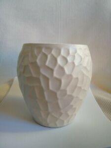 How to Make a paper flower pot « Papercraft :: WonderHowTo   300x225