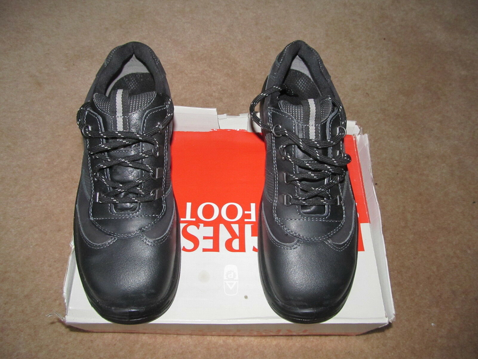 Progressive Safety Trainers Black, / Size 8 - New / Black, Unused 5d8718