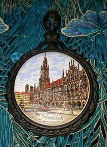 Munchen-Marienplatz-Souvenir-trivet-7-034