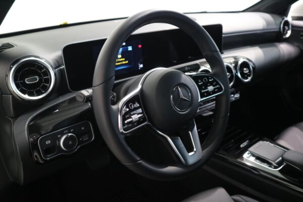 Mercedes A180 d 1,5 Business Progressive Line aut. - billede 4