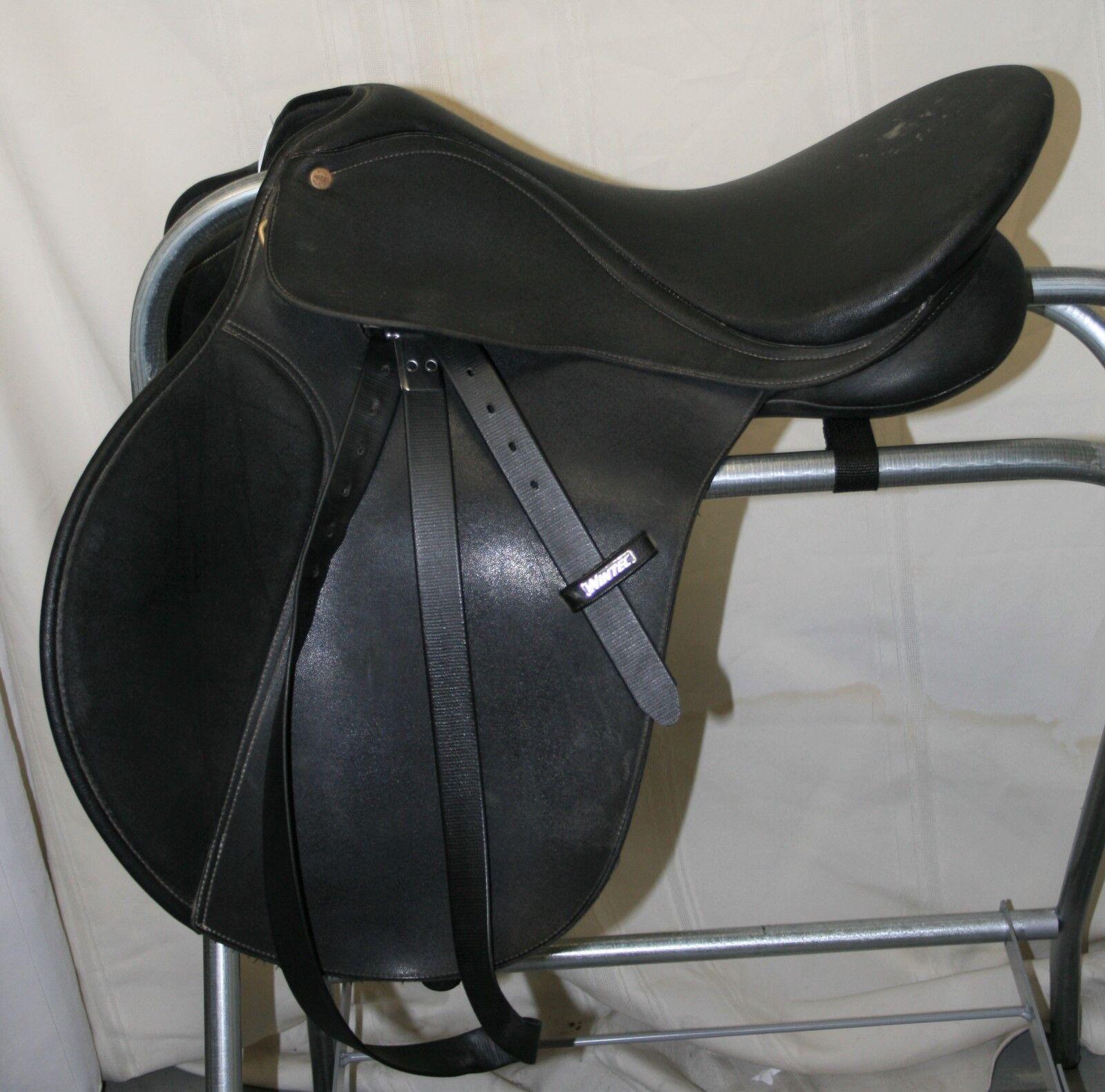 USED Wintec Bates All Purpose English Saddle with Wintec leathers - 16 1 2  seat