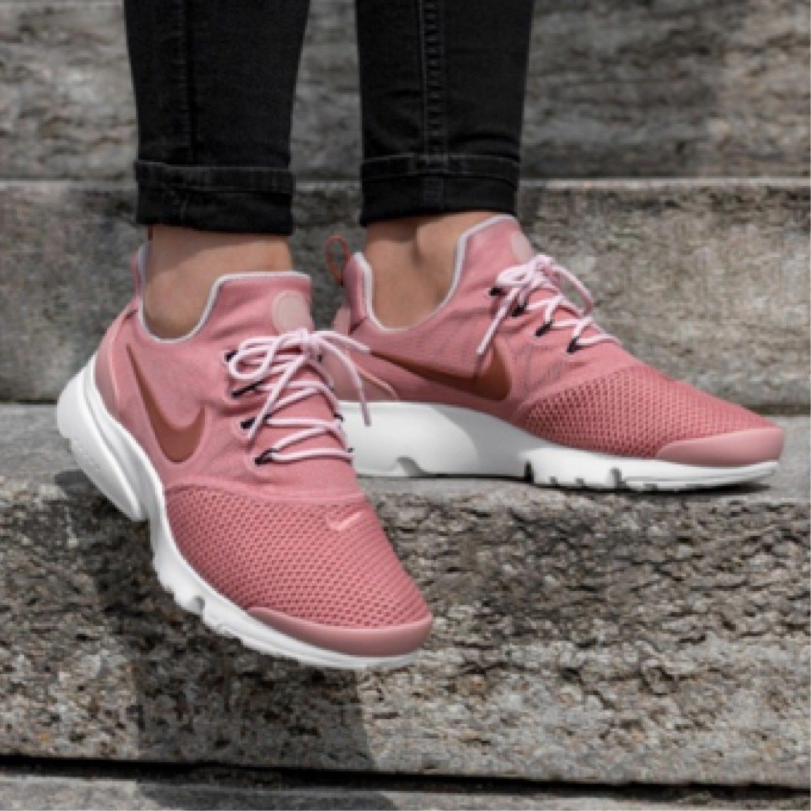 femmes NIKE PRESTO FLY SIZE 3.5 EUR 36.5 (910569 601) DUSTY PEACH rose