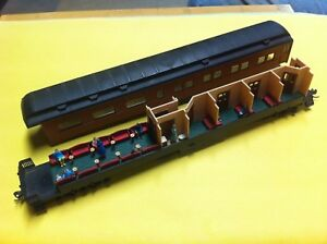 LOT-OF-2-HO-SCALE-INTERIORS-FOR-ATHEARN-HEAVYWEIGHT-OBSERVATION-PASSENGER-CARS