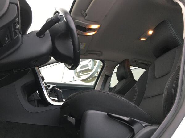 Volvo V60 2,0 D3 150 Kinetic aut. billede 7