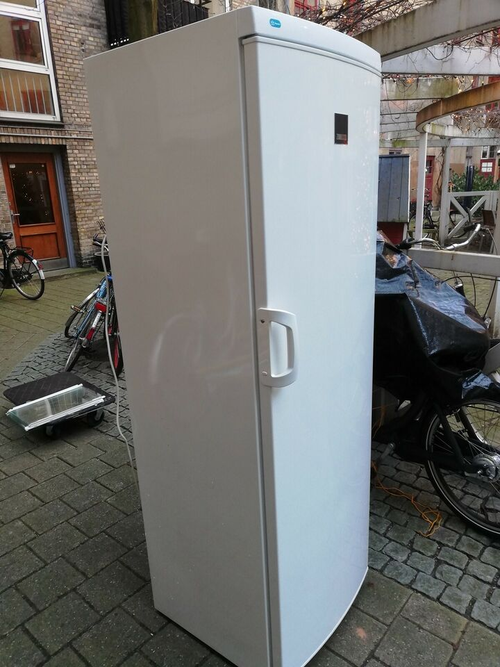 Køle/svaleskab, Zanussi SPACE +, 387 liter