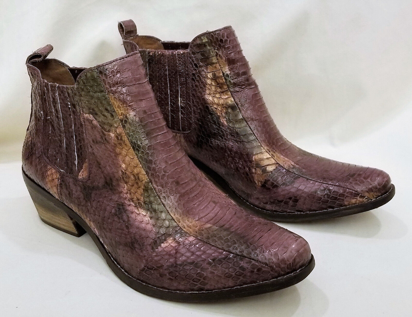 Cowboy Cowboy Cowboy Ankle Boots by Vince Camuto Size- 9.5 Multi-color Snake Pattern Leather 5786d3