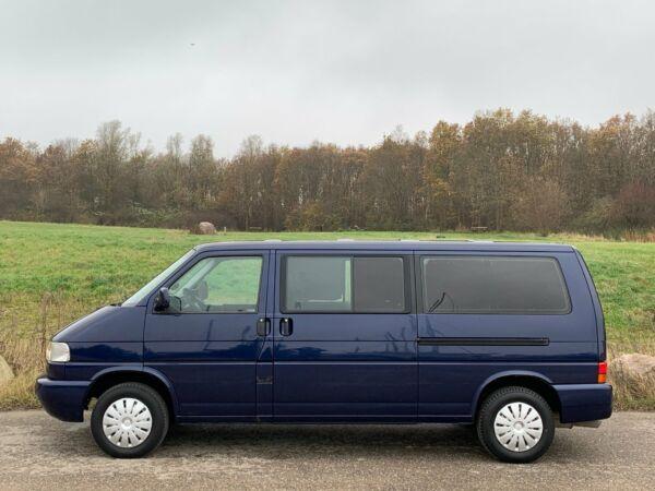VW Caravelle 2,5 Comfortline aut. - billede 2